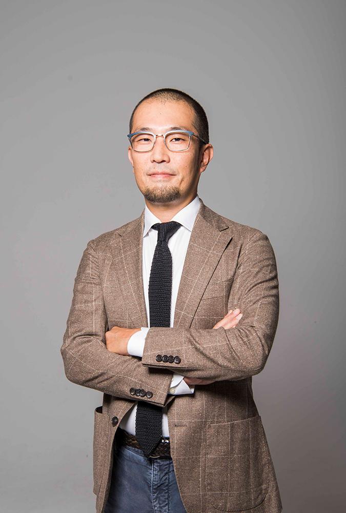 店舗開発事業部 専任技術者 桐山 礼臣